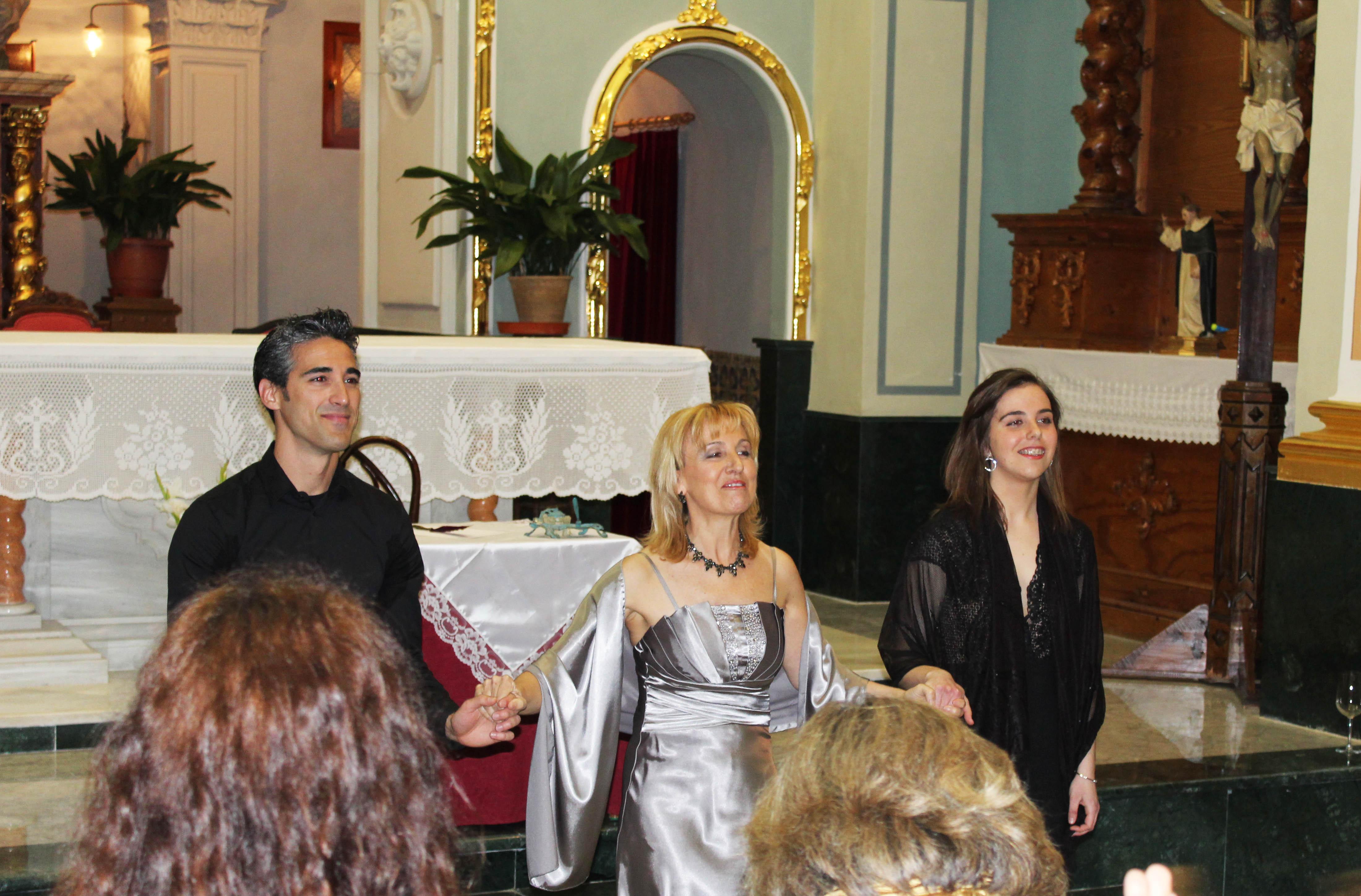 El pianista David Soliva con las sopranos Astrid Crone y Claire Adams.