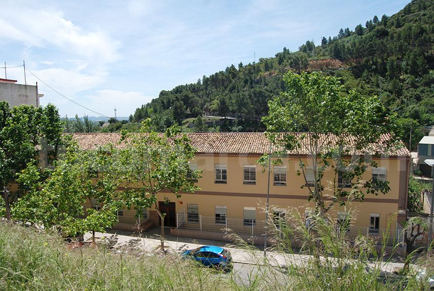 Edificio en el que se ubica el Centro de Menores de Buñol.
