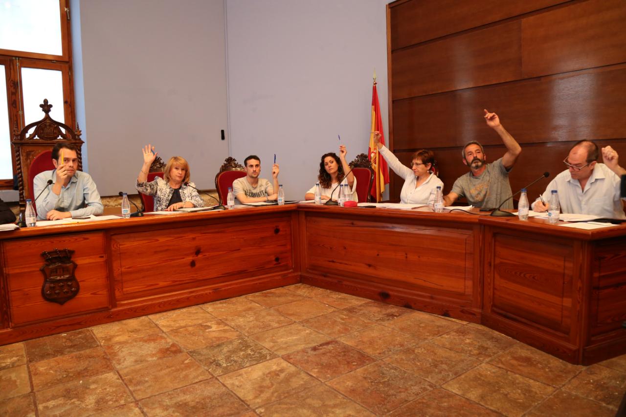 Equipo de gobierno del Ayuntamiento de Cheste en una imagen de archivo.