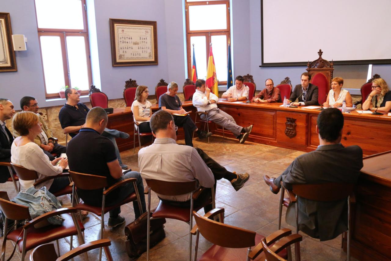 El Equipo de Gobierno del Ayuntamiento de Cheste se ha reunido con empresarios del Polígono Industrial Castilla.