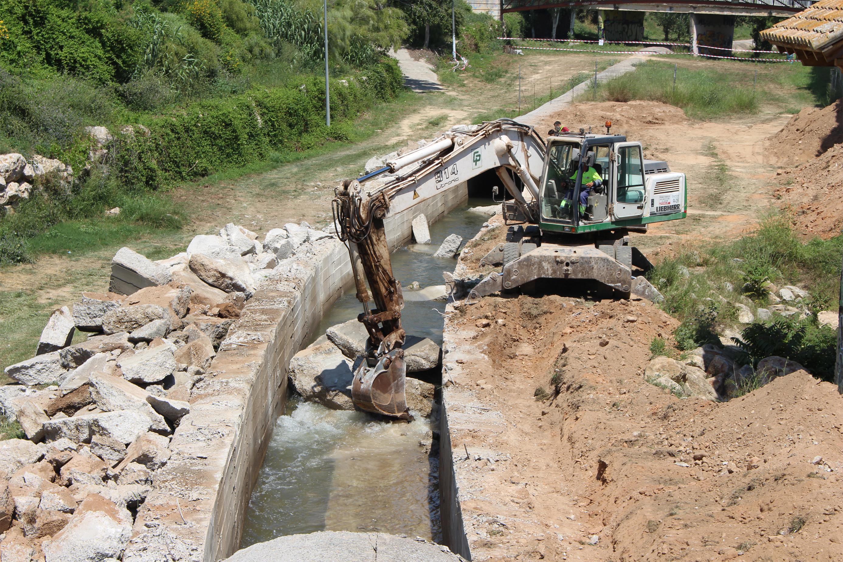 Trabajos para mejorar el estado del colector del Barranco de Mandor que ya han comenzado.