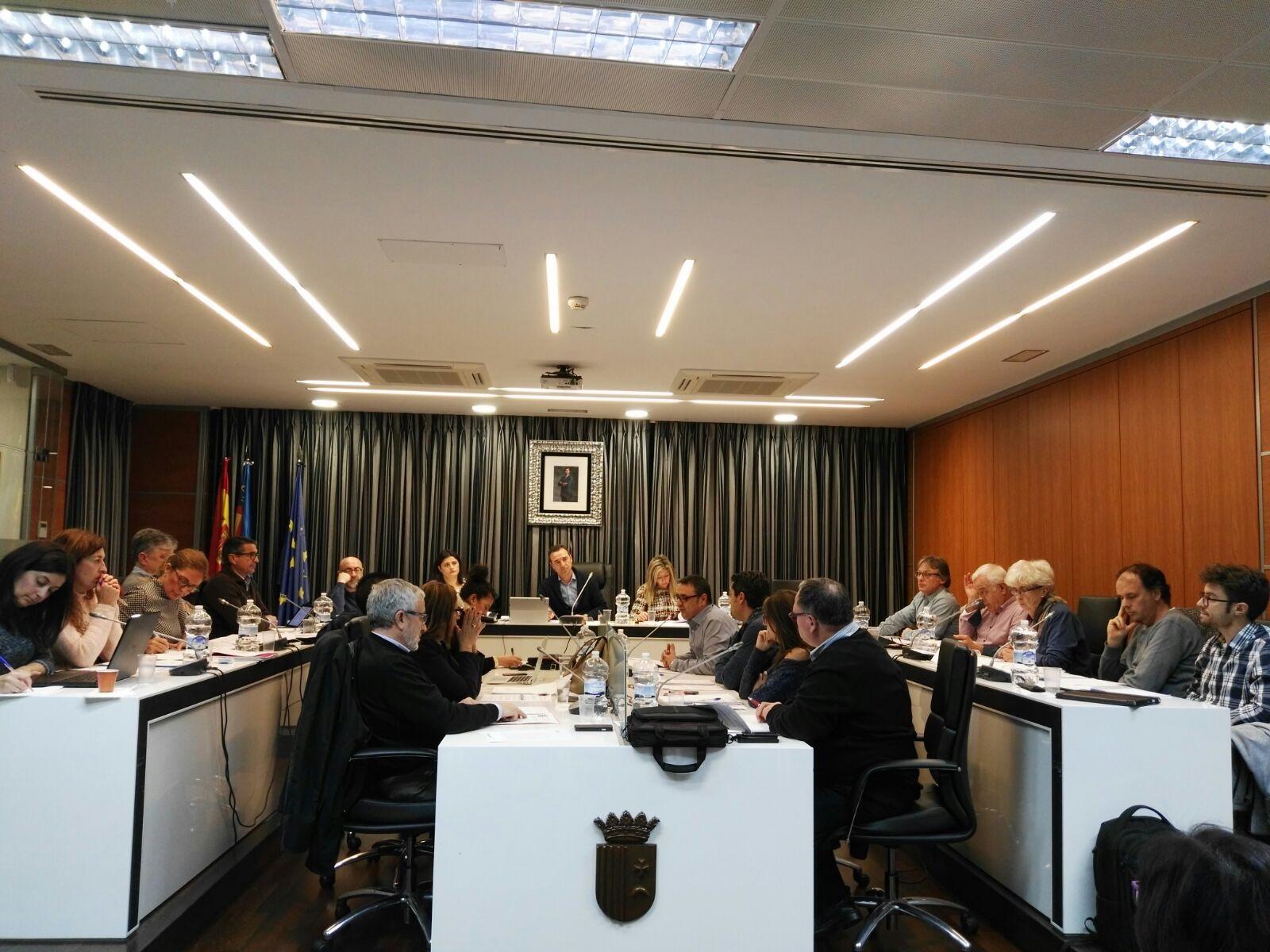 Una imagen de un pleno reciente del Ayuntamiento de Riba-roja.