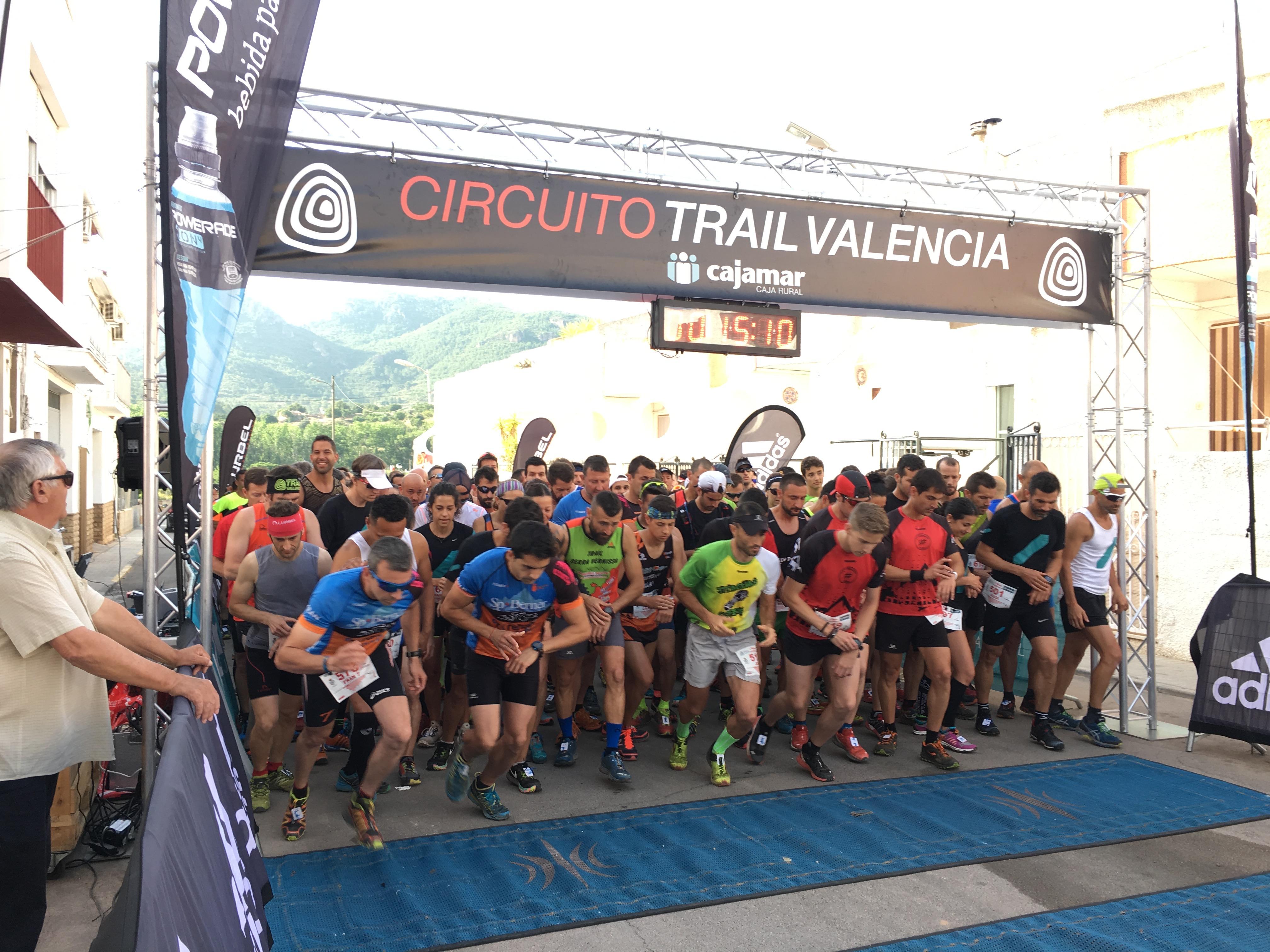 Los ganadores en la modalidad de sprinttrail han sido Cristian Álvarez y Sara Pérez, mientras que en trail la victoria se la han llevado Vanessa Benavent y Rafael Murcia.
