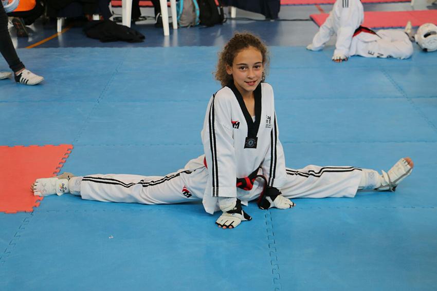 La joven Daniela se va recuperando de su lesión.