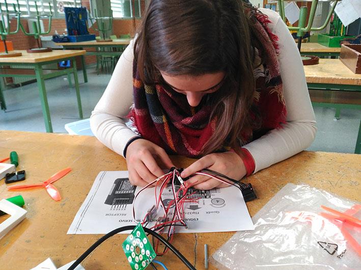 Los alumnos del Instituto de Educación Secundaria l'Eliana estarán mañana en la Escuela Técnica Superior de Ingeniería (ETSE) de la Universitat de València