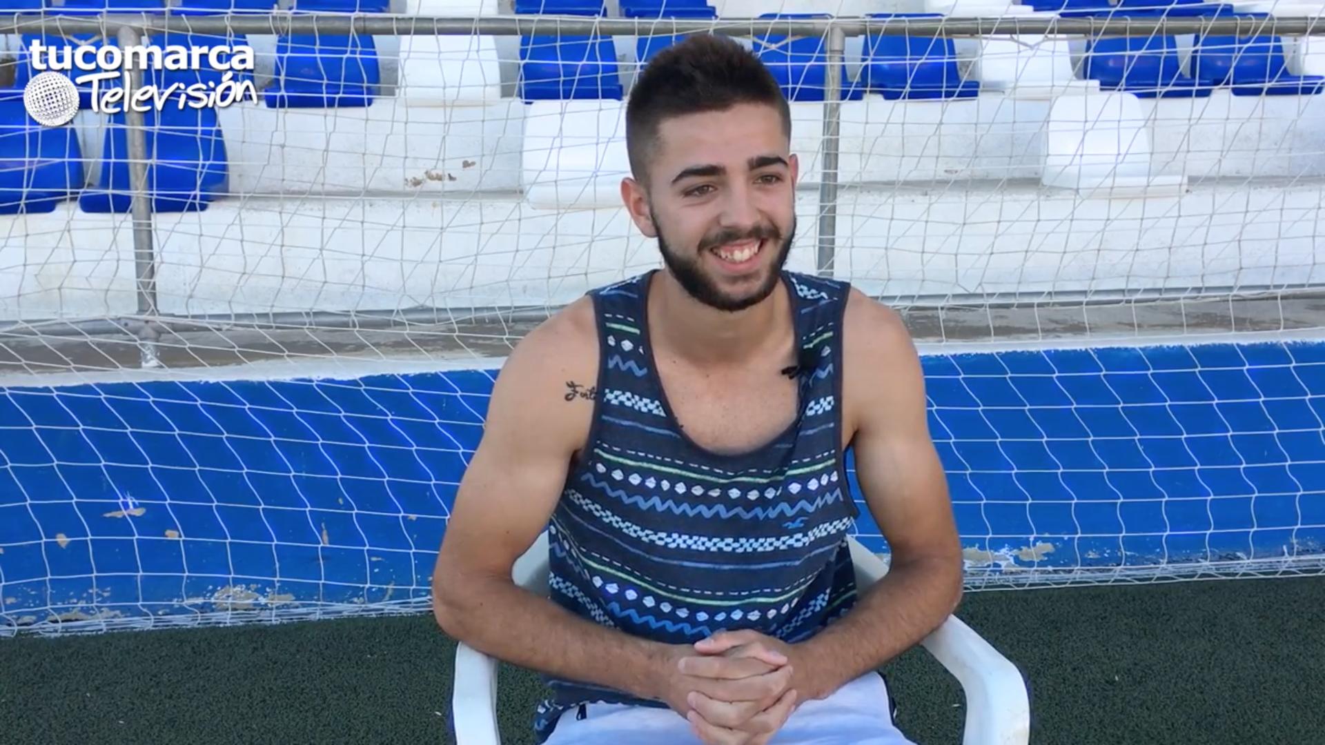 El joven jugador del CD Buñol Juvenil, Aarón Abril Agustina.