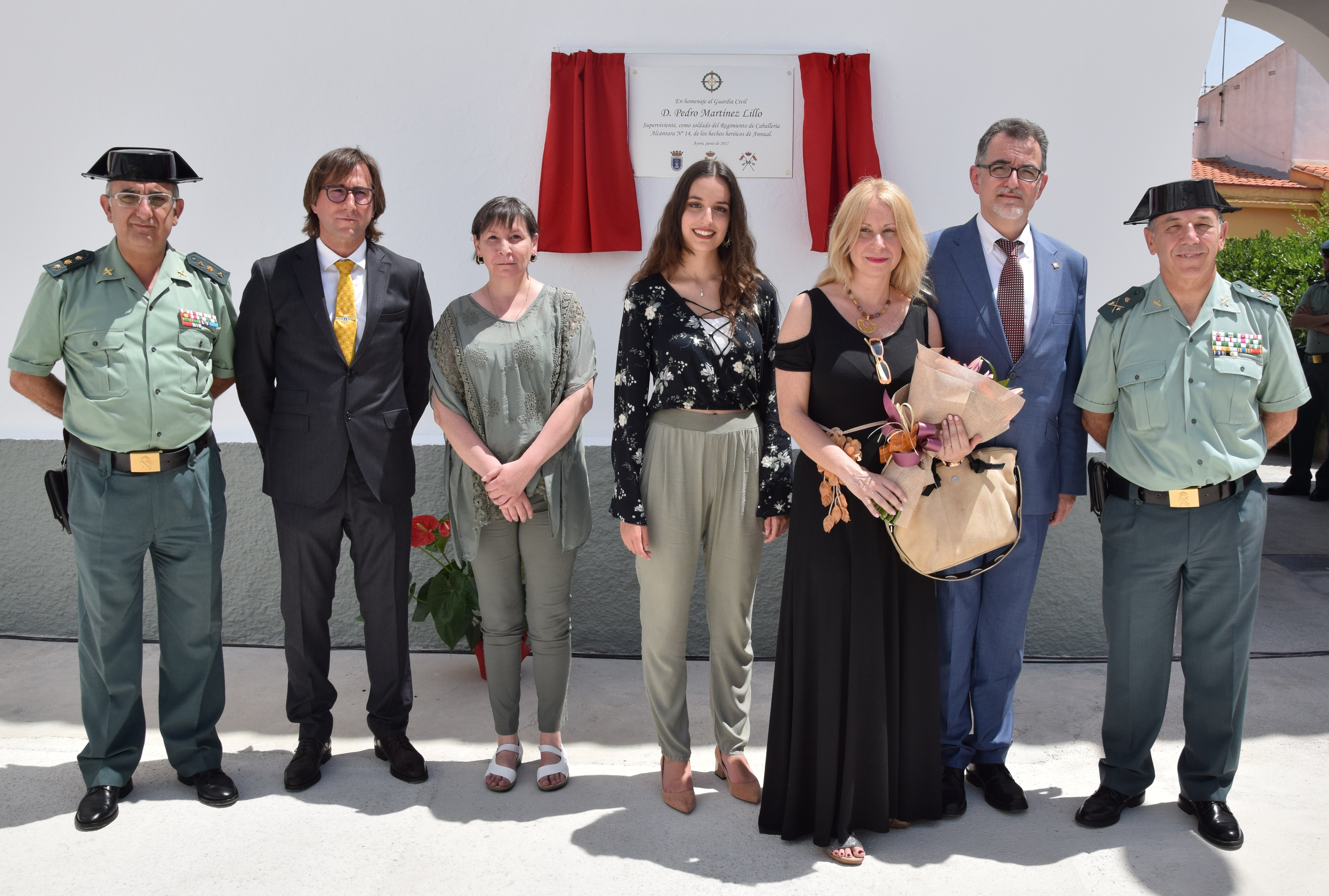 En este acto se colocó una placa en la Casa Cuartel de Ayora en honor del Guardia Civil D. Pedro Martinez Llillo, nacido en Ayora.