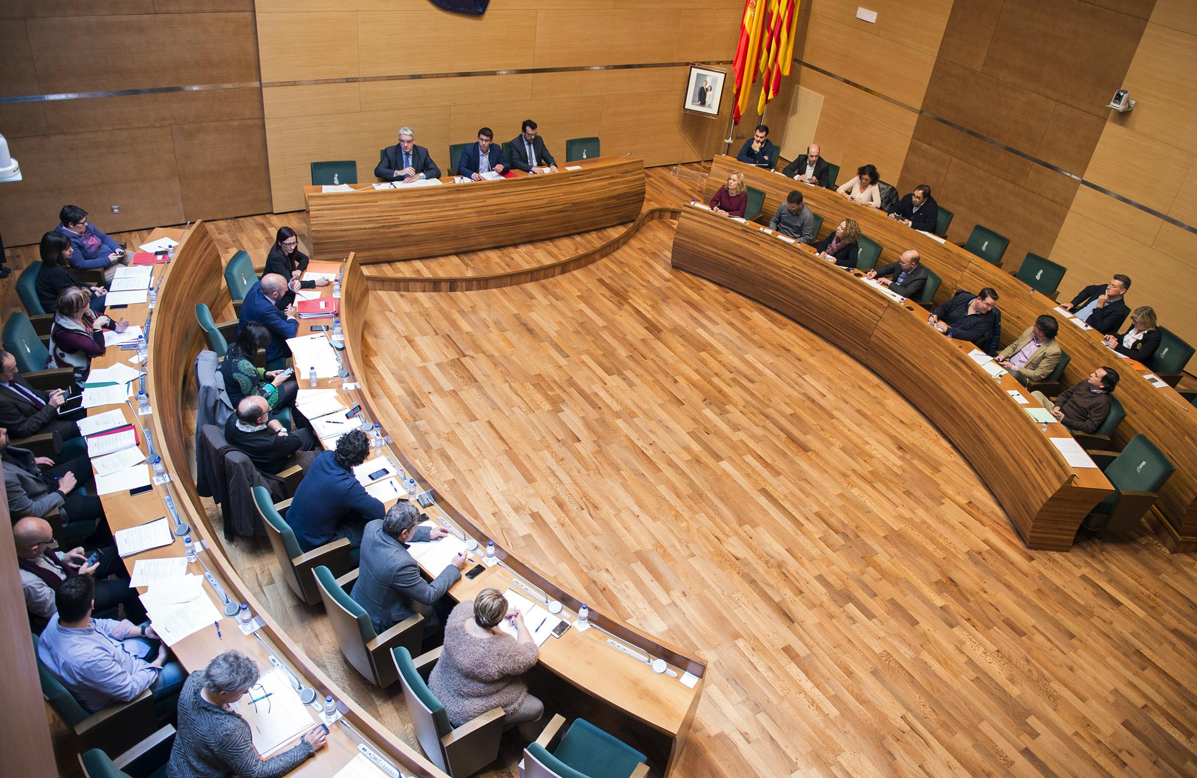 Pleno de la Diputación provincial de Valencia reunido en una sesión.