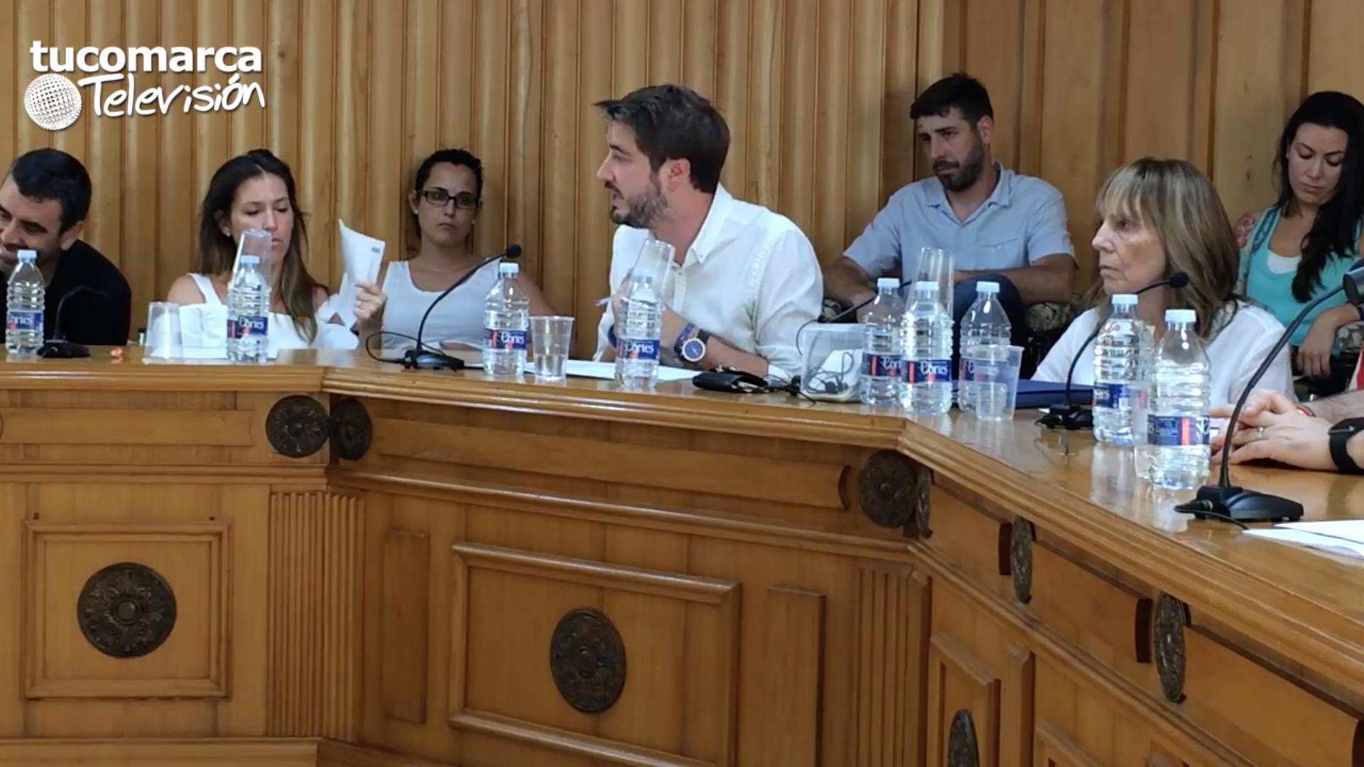 Rafa Pérez en el pleno en el que ha mostrado su renuncia al cargo como alcalde.