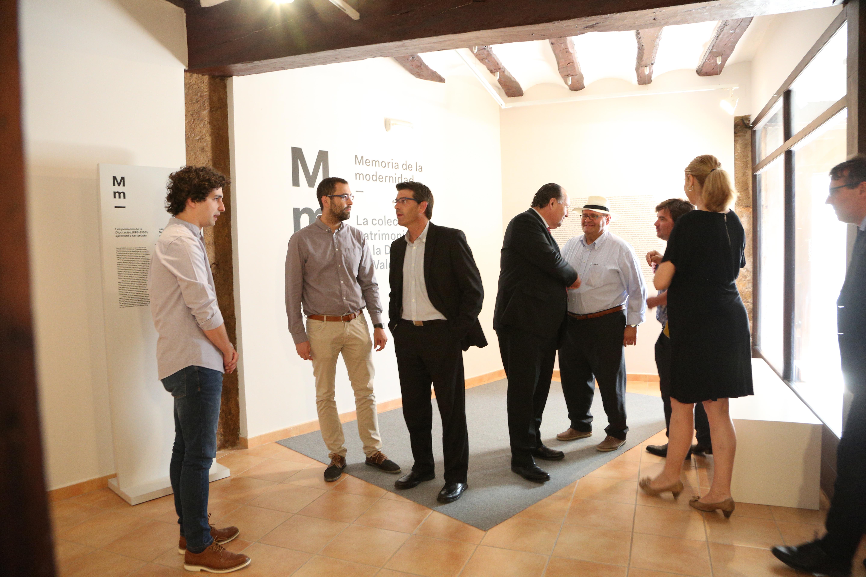 Jorge Rodríguez con el presidente de la Cámara de Comercio de Valencia y el alcalde de Requena.