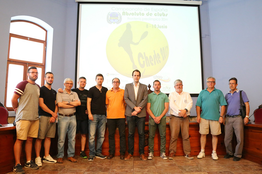 La presentación del campeonato ha tenido lugar en la mañana de este jueves en el Ayuntamiento de Cheste.