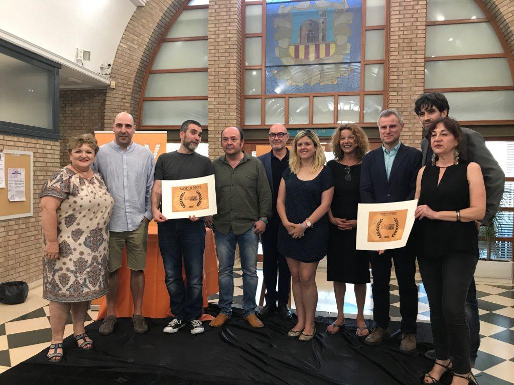 El alcalde de l'Eliana, Salva Torrent, y el director general de la Academia de Artes y Ciencias Cinematográficas de España, Joan Álvarez, hicieron entrega del primer premio (dotado con 2.000 euros).