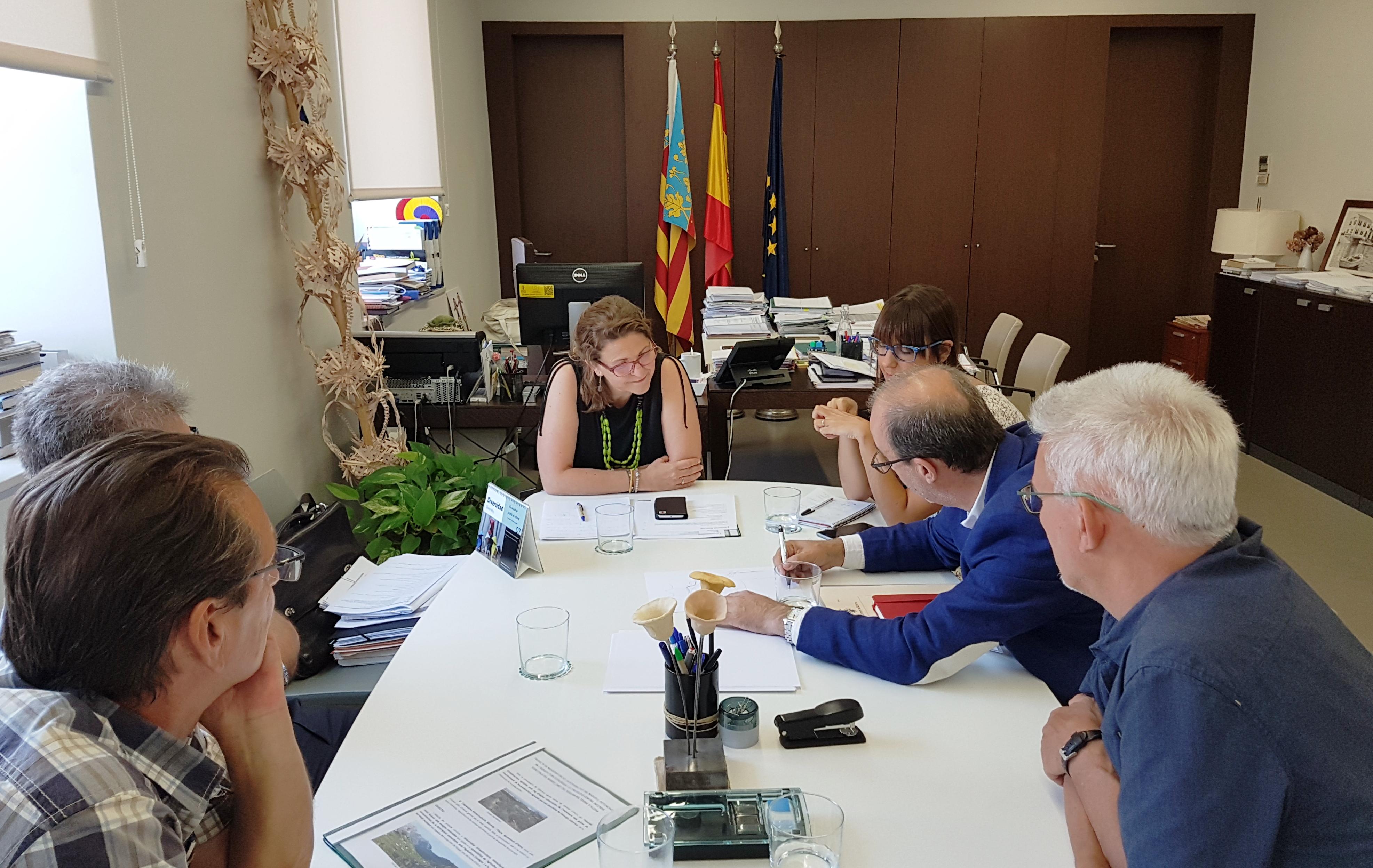 La consejera Elena Cebrián se ha reunido con el alcalde de la ciudad para abordar este y otros temas de interés para el municipio.