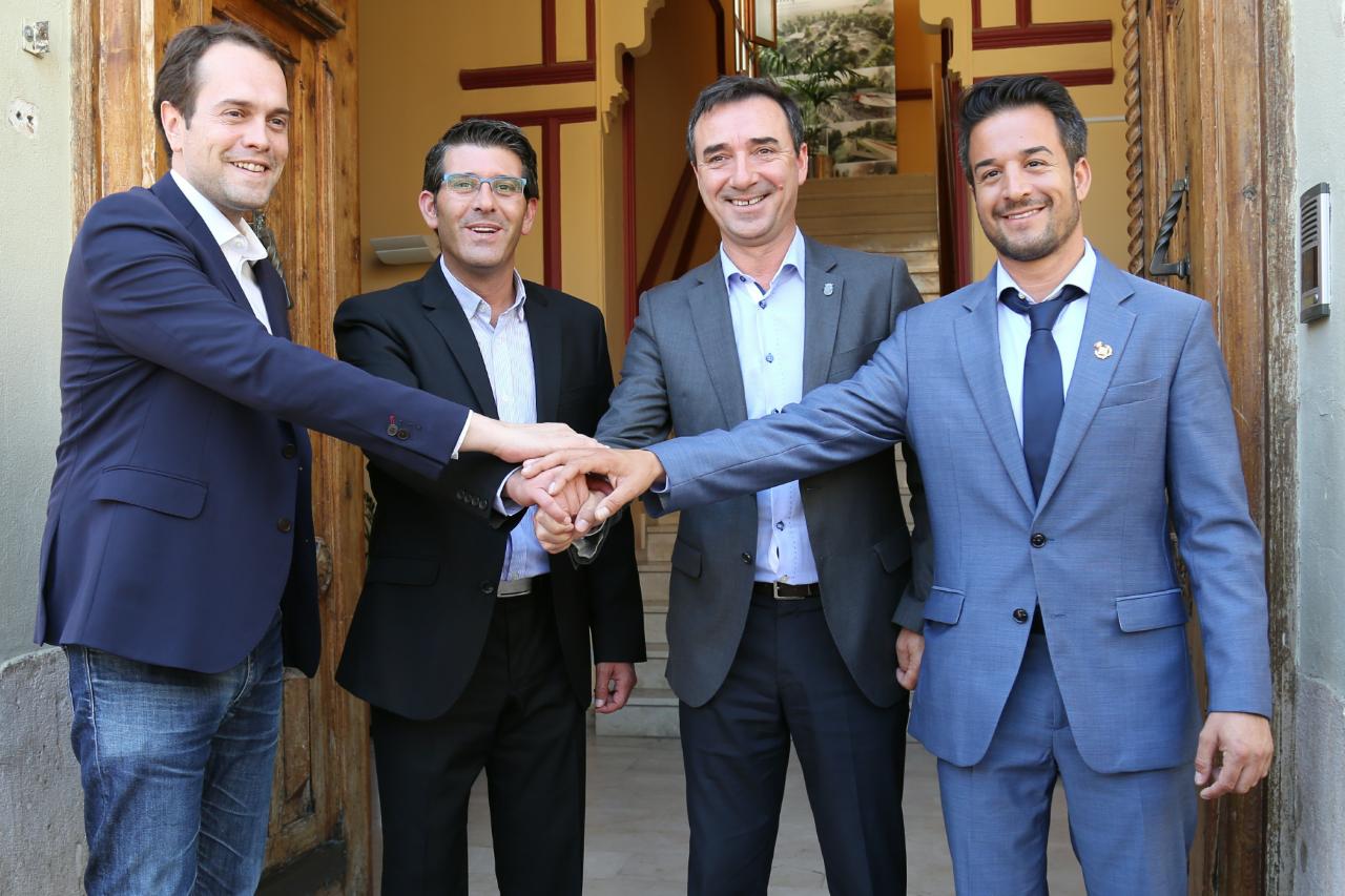 Presentación en Cheste con la participación del presidente de la Diputación, Jorge Rodrígue, del eje industrial de la A3 entre Cheste, Riba-roja y Loriguilla.