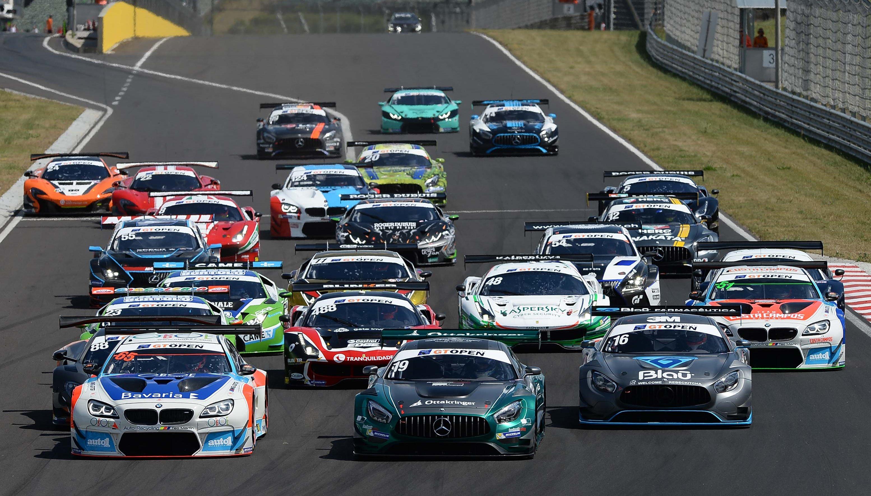 En los próximos días, GT Sport anunciará los detalles técnicos y deportivos del evento GT Open 1000, así como la clase de vehículos en liza para la carrera en el que podrán competir equipos de dos, tres y hasta cuatro pilotos.