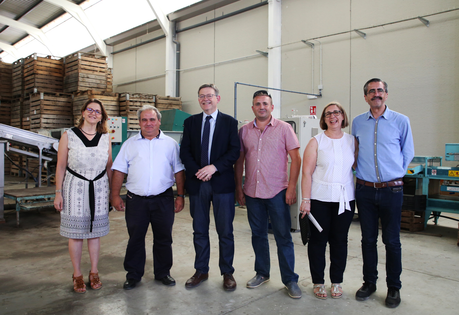 El jefe del Consell ha visitado las instalaciones de la cooperativa Vircoop CV de Torrebaja.