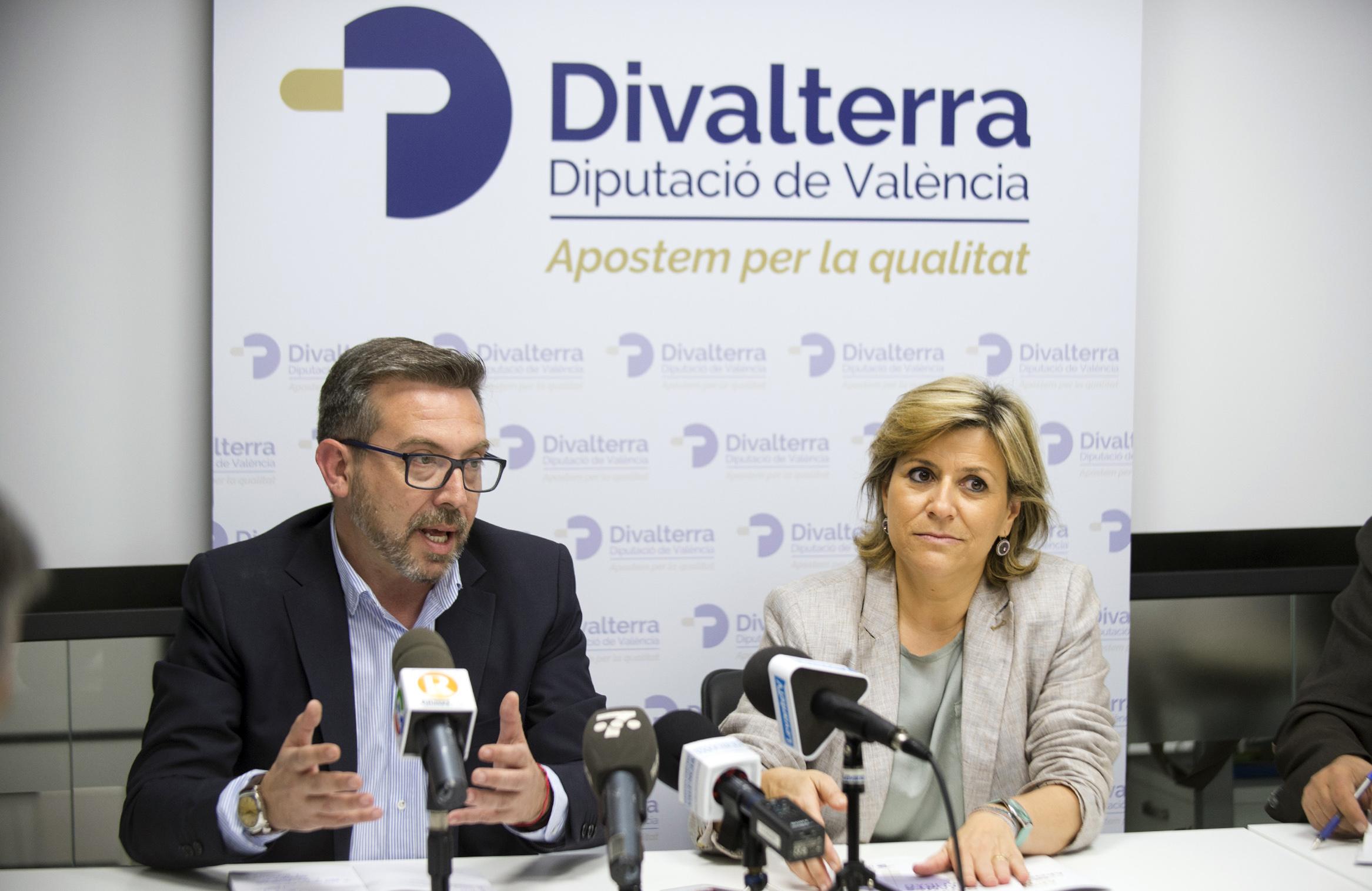Los gerentes de Divalterra, Víctor Sahuquillo y Agustina Brines.