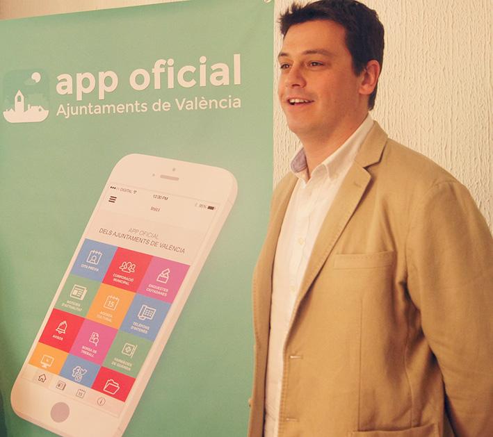 Iván Martí presenta la versión ampliada y renovada de la aplicación móvil Ajuntaments de València.