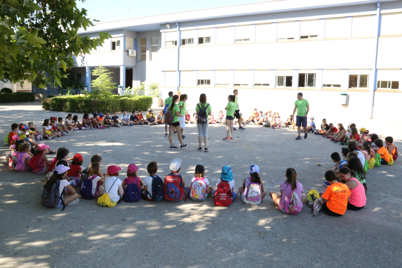 Desde este lunes 167 niños disfrutan de las actividades de la escuela de verano.