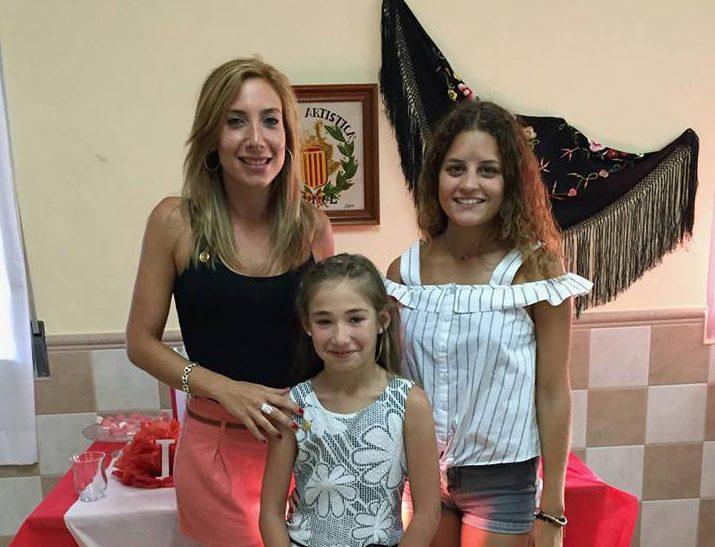 Nuevas Reinas del Mántón y Representante de la SM «La Artística» en la Corte de Honor de la Reina de la Feria y Fiestas de Buñol 2017-18.