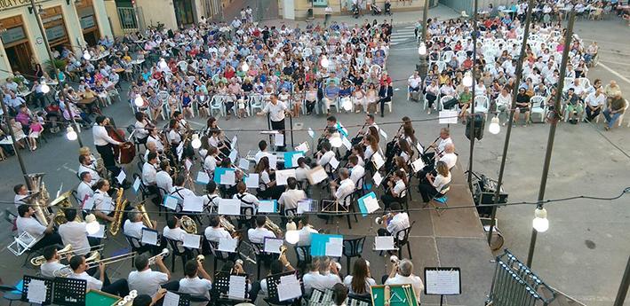 El Festival de bandas puso el broche de oro a las Serenatas 2017 el pasado fin de semana.