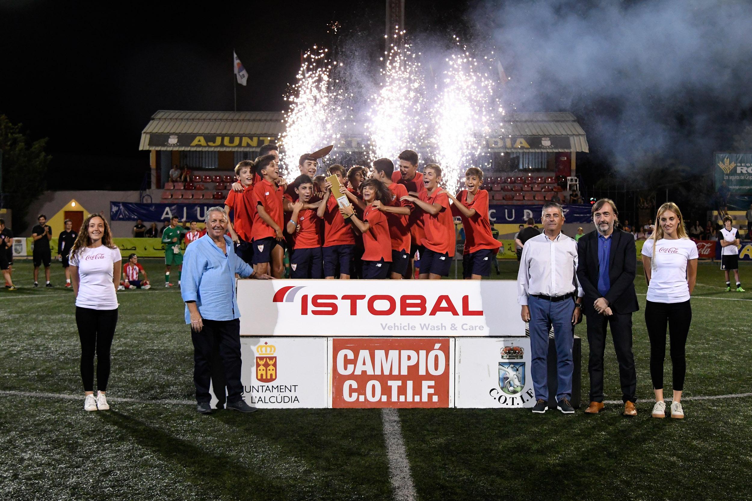 Primer equip classificat categoría Aleví Sevilla FC.