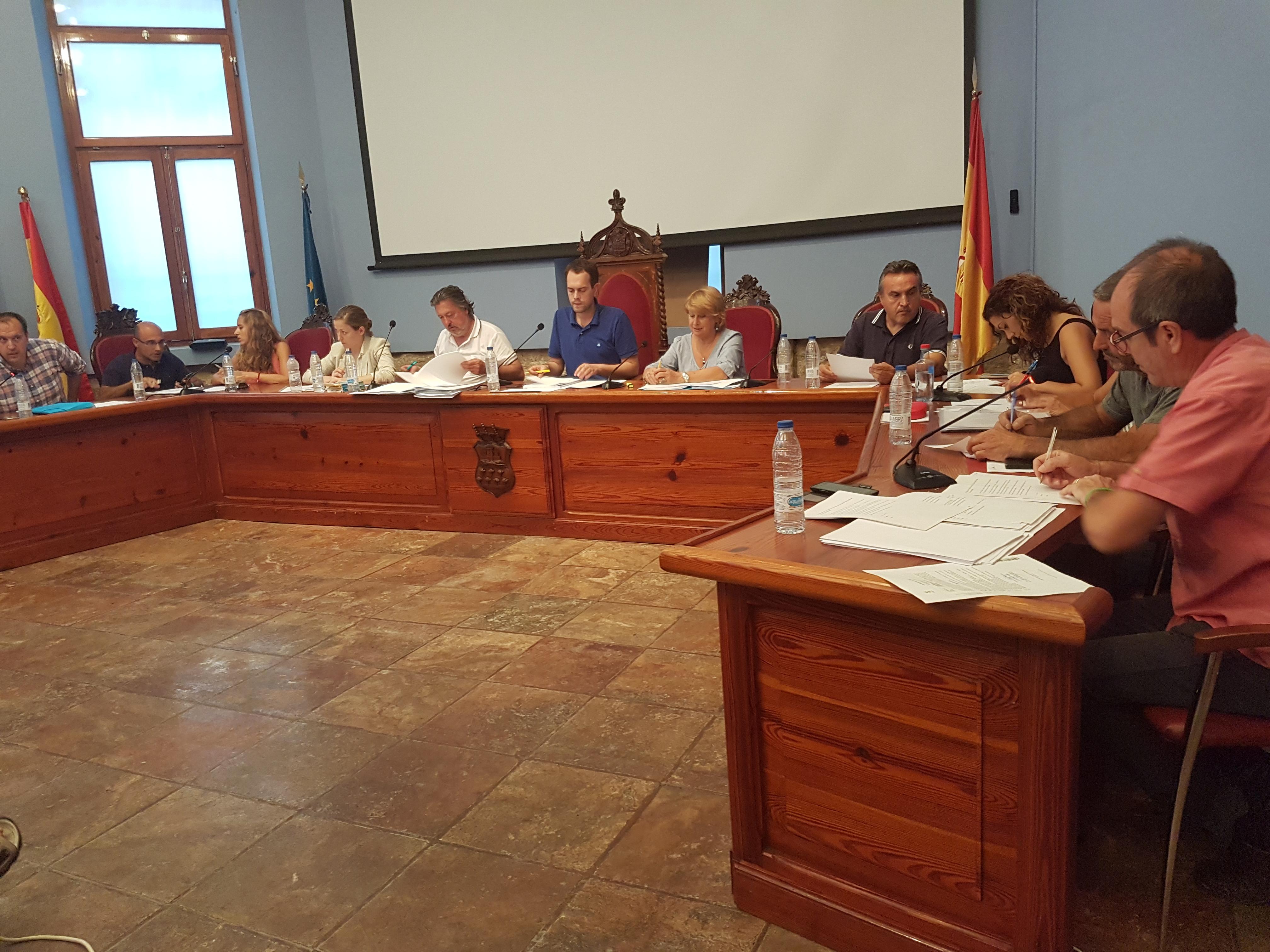 La votación salió adelante con los votos favorables del Equipo de Gobierno (PSOE, EU y Compromís) y la abstención del Partido Popular.