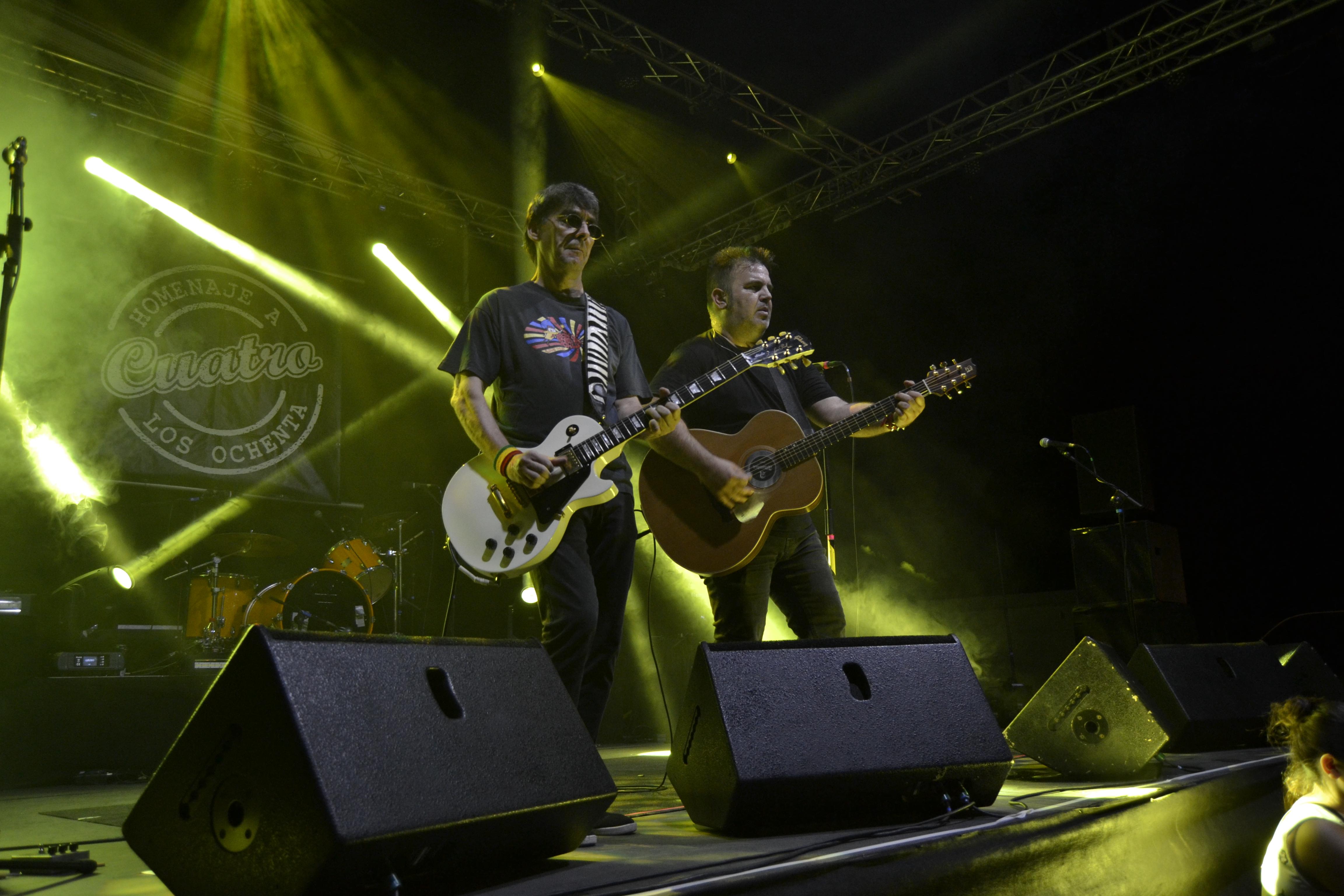 El grupo IV Cuatro durante una de sus actuaciones.