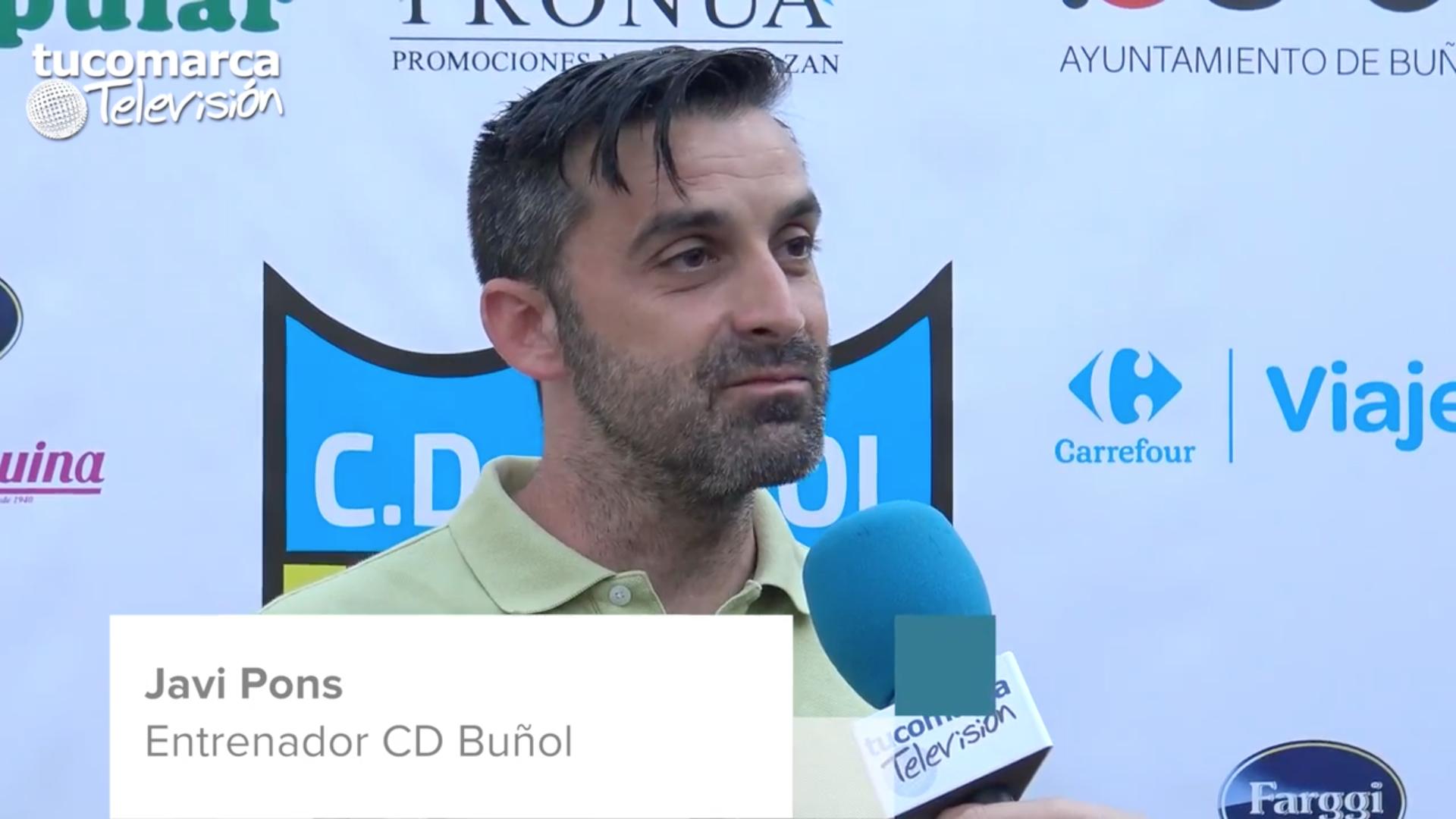 El míster del CD Buñol, durante la entrevista realizada por tucomarca televisión.