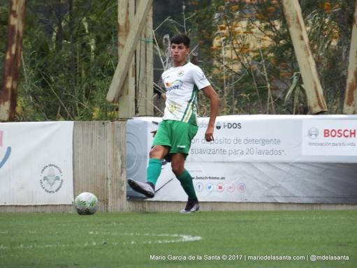 Matías no Garbarino en una imagen captada en el partido de liguilla de ascenso a Segunda B contra el Rápido de Bouzas.