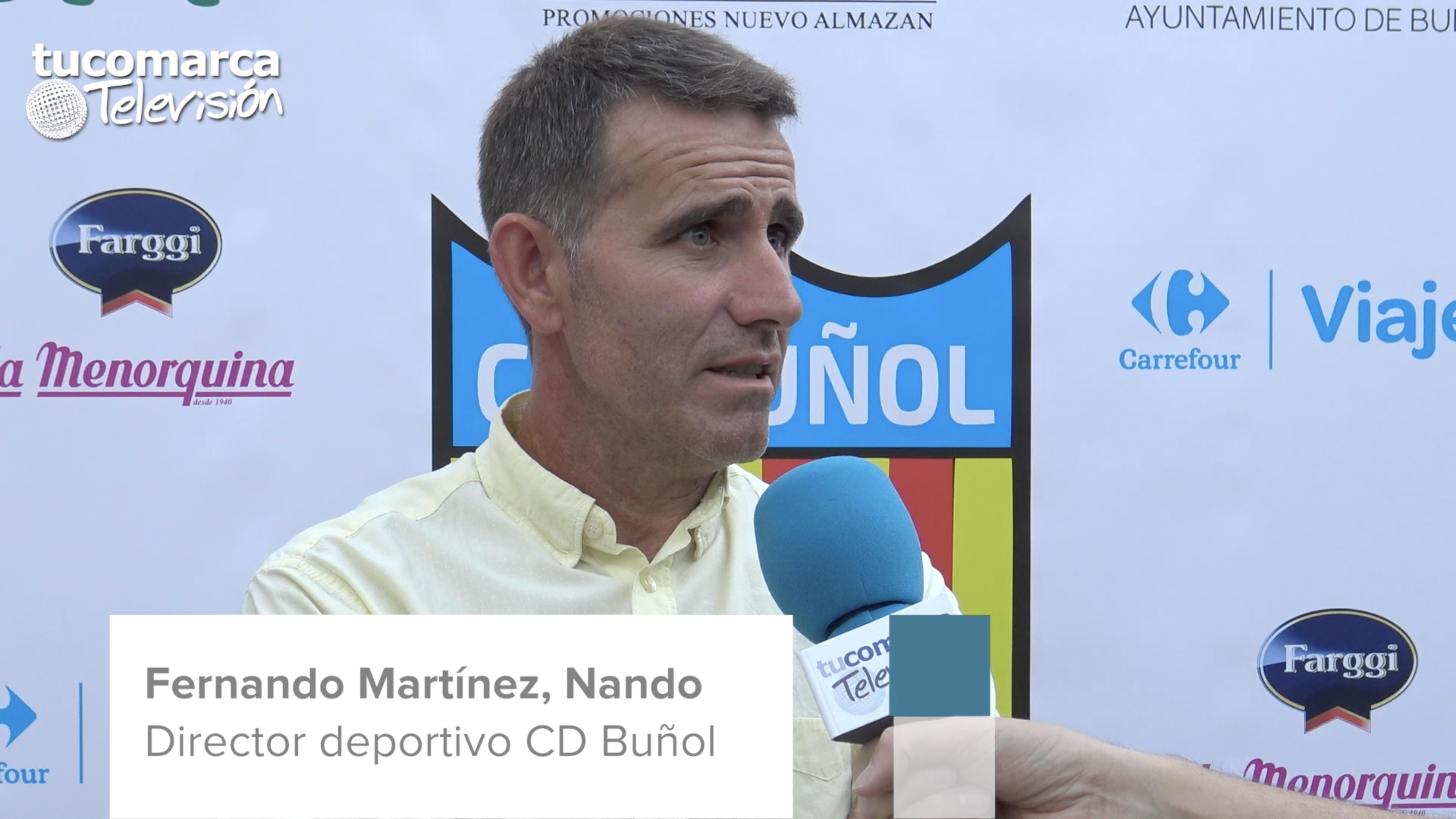 El director deportivo del Club Deportivo Buñol, Fernando Martínez, Nando, durante la entrevista realizada por tucomarca televisión.