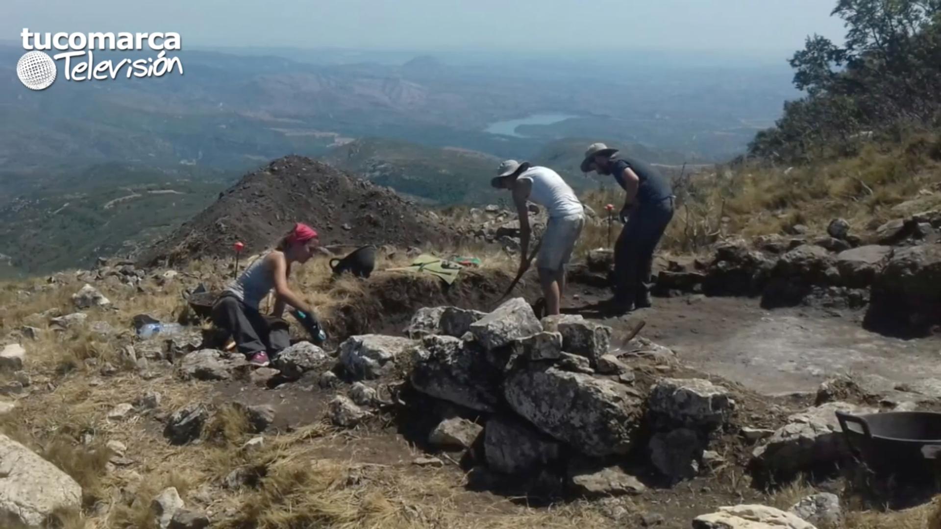 Trabajos arqueológicos desarrollados durante el verano de 2017 en el Pico los Ajos de Yátova.
