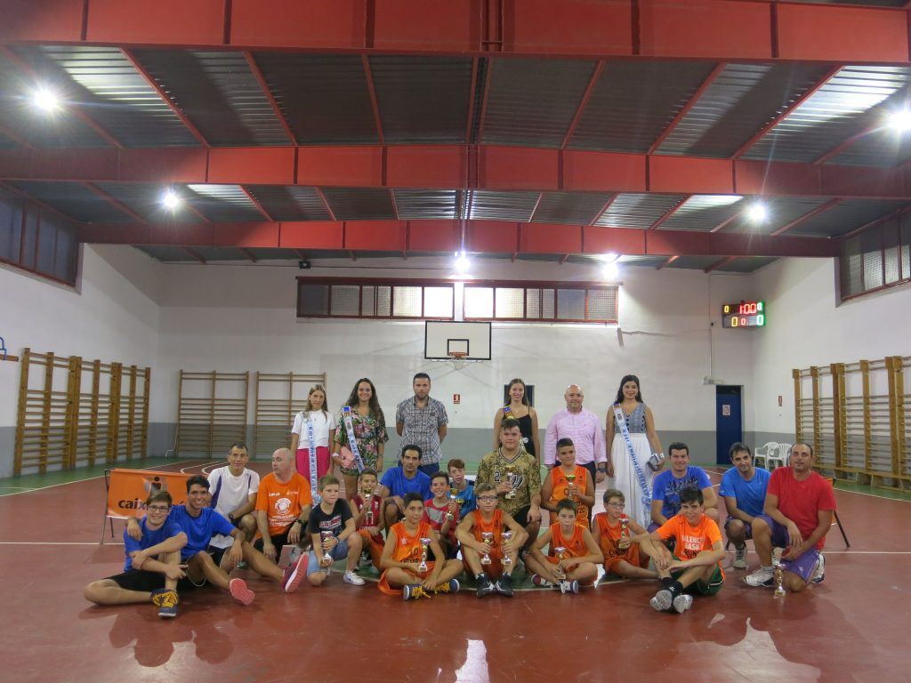 n any més el bàsquet ha tingut el seu espai en el calendari festiu de Turís i el club va organitzar els ja tradicionals concursos de triples i de 3x3.