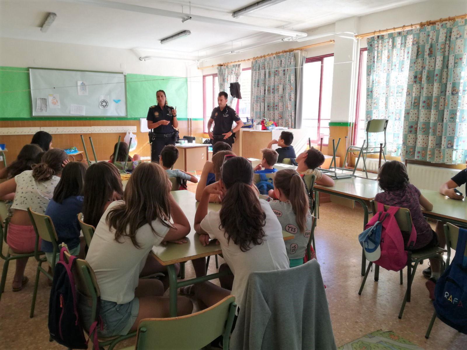 Los menores recibieron formación sobre acoso escolar y redes sociales.