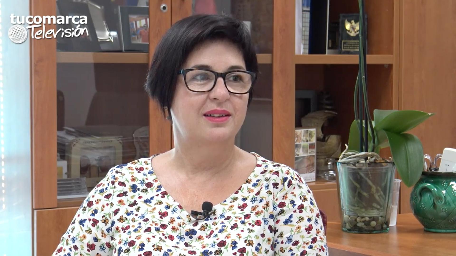 La alcaldesa de Buñol, Juncal Carrascosa, concejala de Hacienda y Contratación.