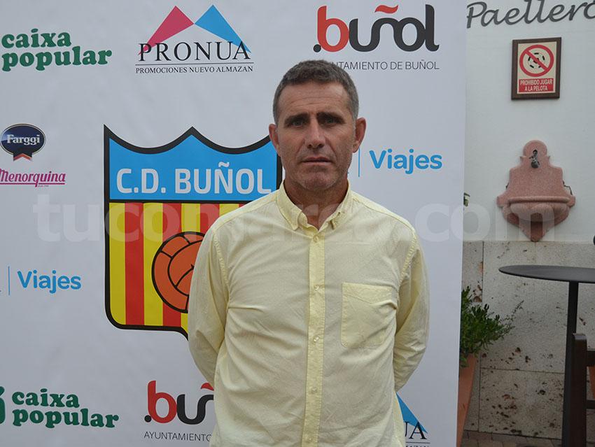 El jugador Fernando Martínez, Nando, ha renunciado a su cargo de Director Deportivo del CD Buñol.