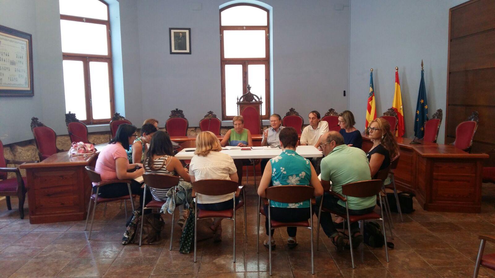 Reunión preparatoria del Gran Juego del Ajedrez en Cheste.
