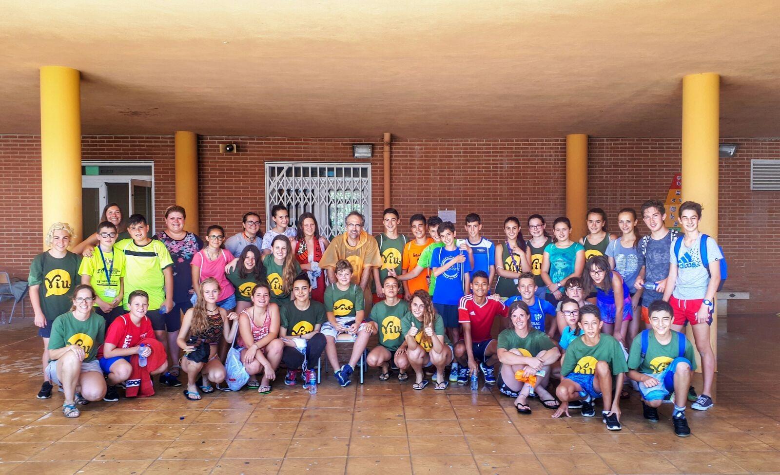 El Campus se ha realizado en el Instituto de Enseñanza Secundaria La Serranía, utilizando tanto los patios como distintas salas interiores para el desarrollo de las actividades planificadas.