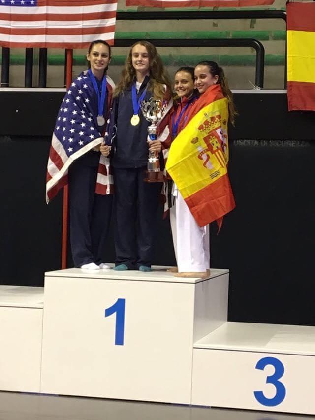 El tercer puesto lo compartió con otra española y compañera suya en Cheste, Irene Moltó.