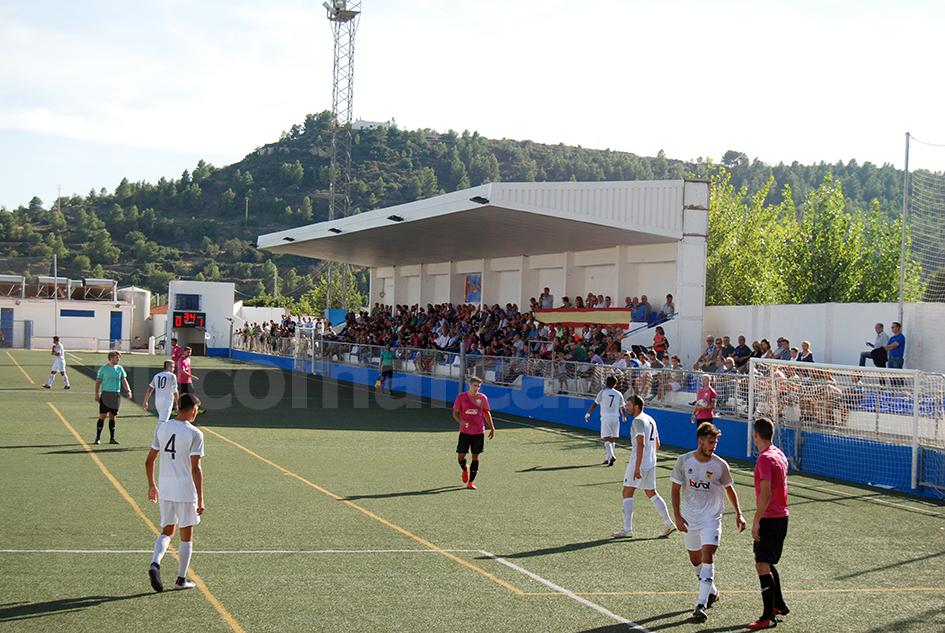 El CD Buñol está haciendo del Beltrán Báguena su feudo para no perder ningún encuentro.