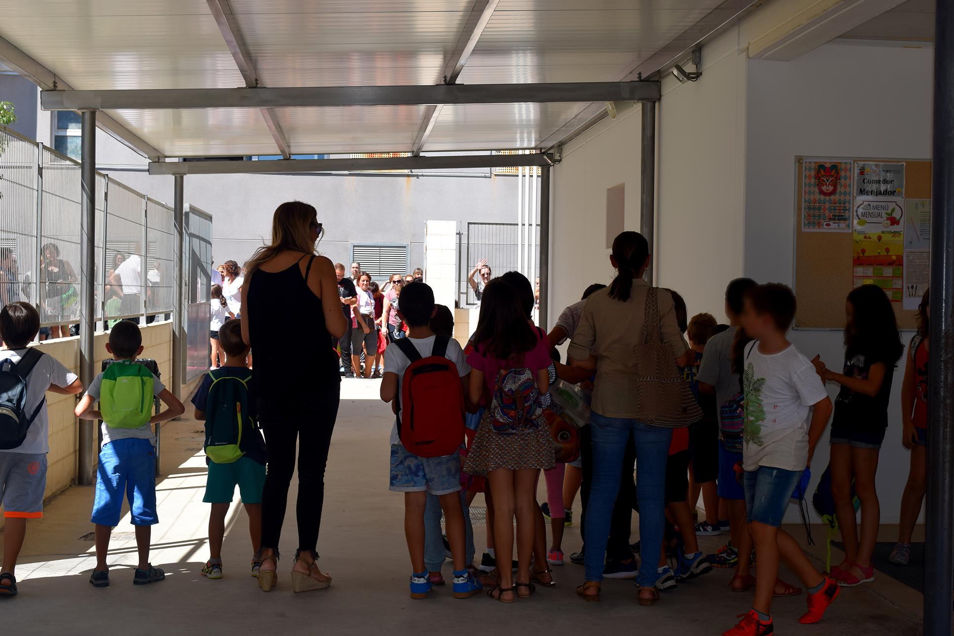 El primer dia de classe va transcórrer ahir amb normalitat als cinc centres escolars del municipi.