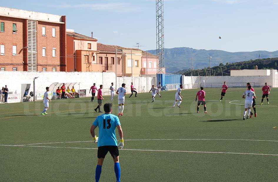 El Club Deportivo Buñol durante uno de sus encuentros en el Beltrán Báguena.