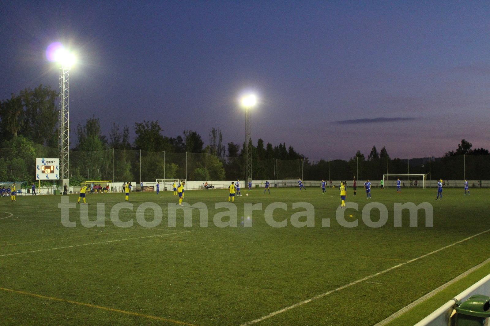 El CD Cheste y el Monte Sión han firmado un empate en La Viña este domingo por la tarde.