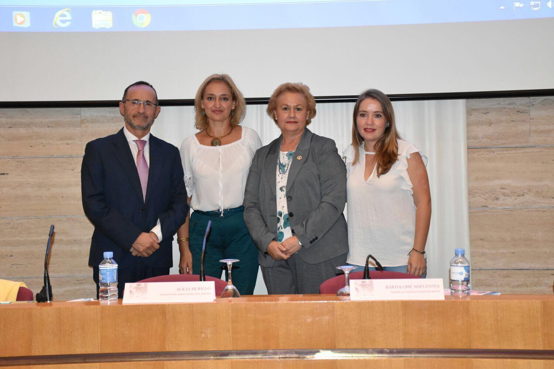 Bartolomé Nofuentes durante el encuentro organizado por la Federación de Entidades Culturales Andaluzas en la Comunidad Valenciana (FECA-CV)