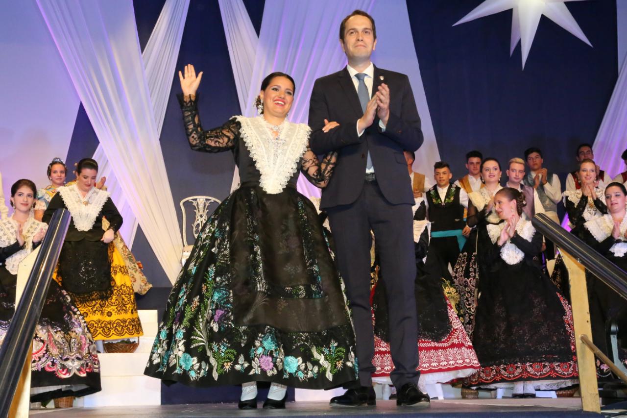 Presentación de la Reina de la XLIV Fiesta de la Vendimia, María Andrés Carmona, y de su corte honor.