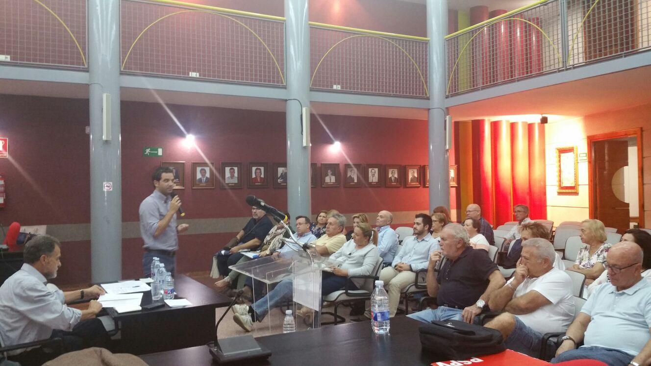 Este encuentro se enmarca dentro de la campaña #NiMésNiMenys que el PSPV está llevando a cabo por todos los municipios de la Comunitat hasta el próximo 7 de octubre.