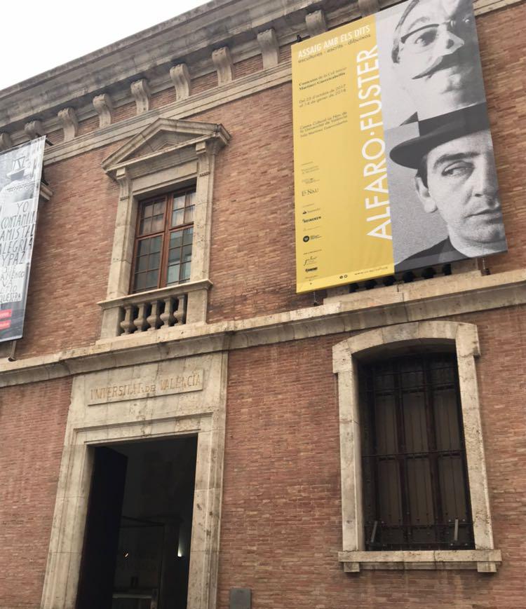 Fachada del Centre Cultural La Nau donde estará instalada la exposión.