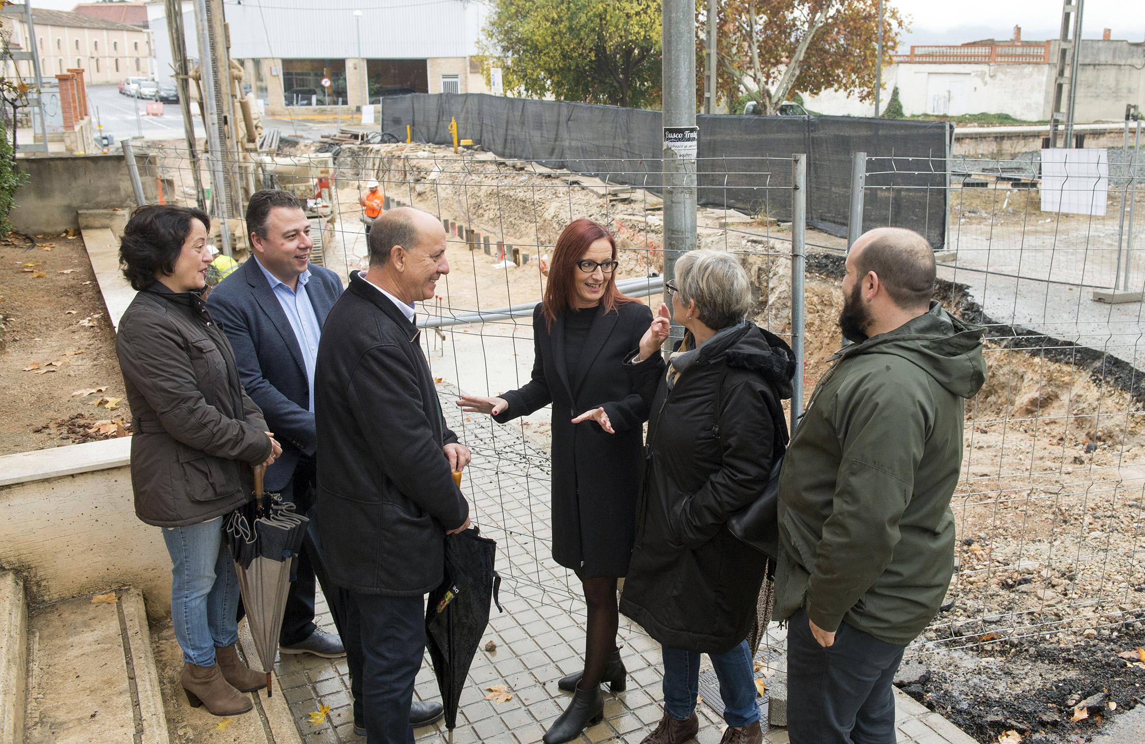 Durant la seua estada en l'Alcúdia de Crespins, la vicepresidenta ha tingut ocasió de conèixer diferents projectes de futur per al municipi.