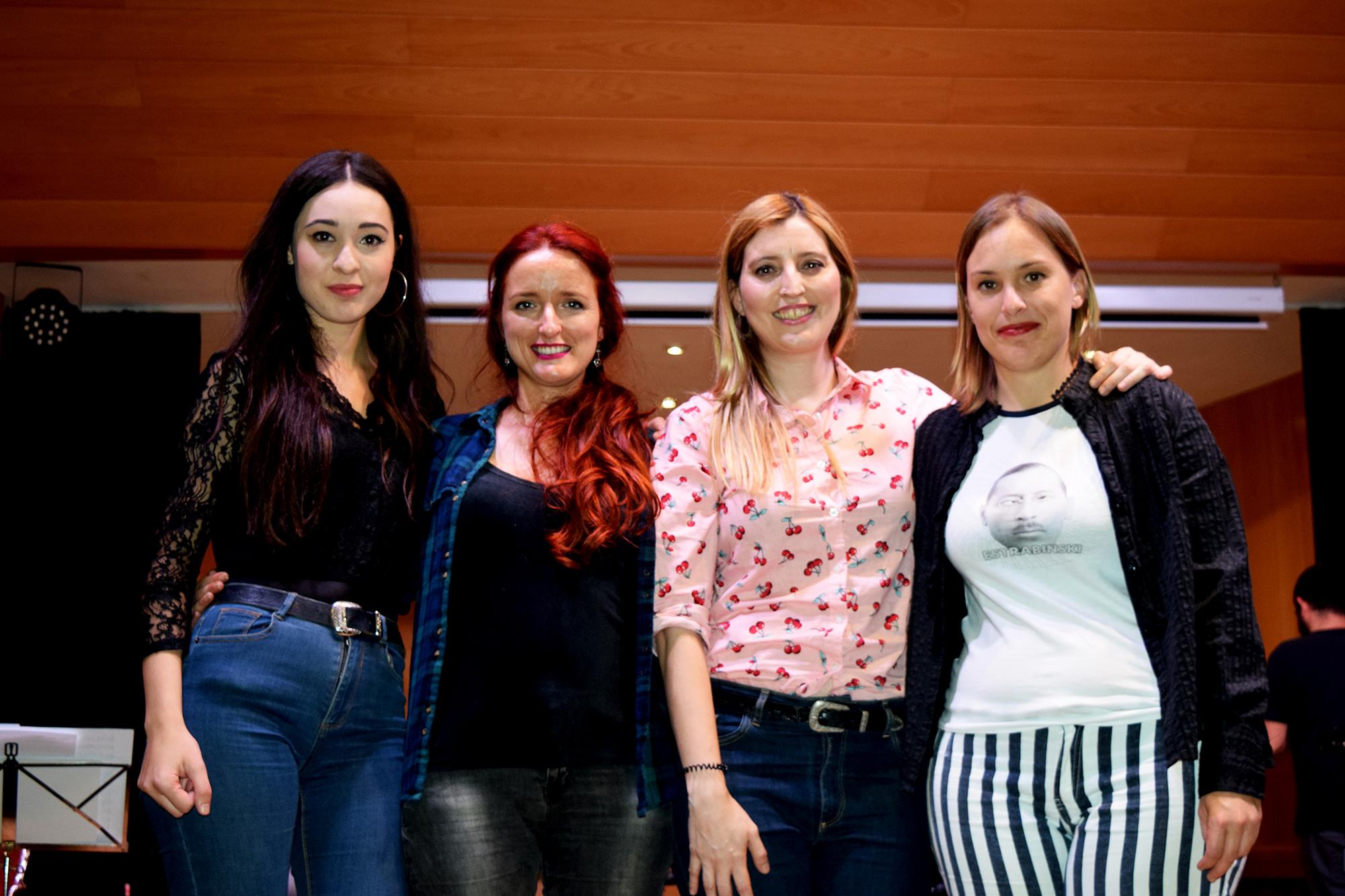 Componentes de 'FemmeFractal' en la Casa de la Cultura de Vilamarxant.