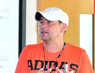 El nuevo técnico del CD Buñol, Diego Asensi García.